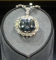 Diamonds are wedding favorites when fashion demands jewelry.