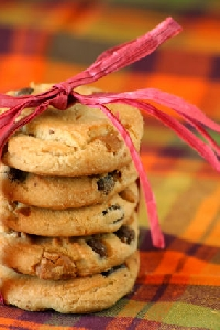 Food gifts made by hand proudly display your love this holiday season.