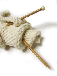 Learning to Knit:  Tips, resources and easy knitting projects for beginners