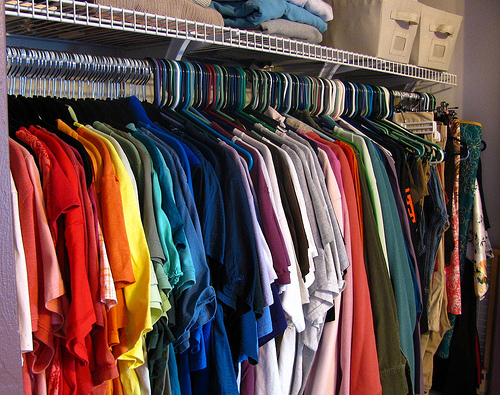 Follow these simple tips to organize a small closet