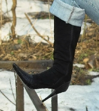 Wearing high heels in the winter can be super-stylish, not painful!
