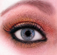 Glam up your eyes with fun eye makeup tutorials!