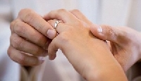 It is traditional to wear wedding rings on the left ring finger