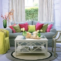 Color your room with accessories for a pop of color that makes the difference