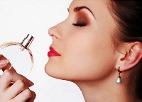 Find out what is in a luxury perfume that makes it maintain it's fragrance