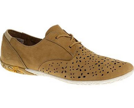 Find comfortable shoes that look stylish with these tips