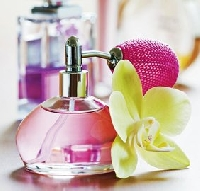 Make a statement by choosing a lasting summer perfume for your fragrance signatu